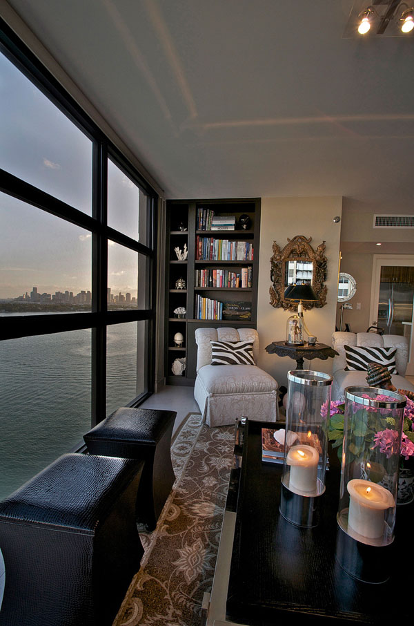 Venetian Apartment living room bay view
