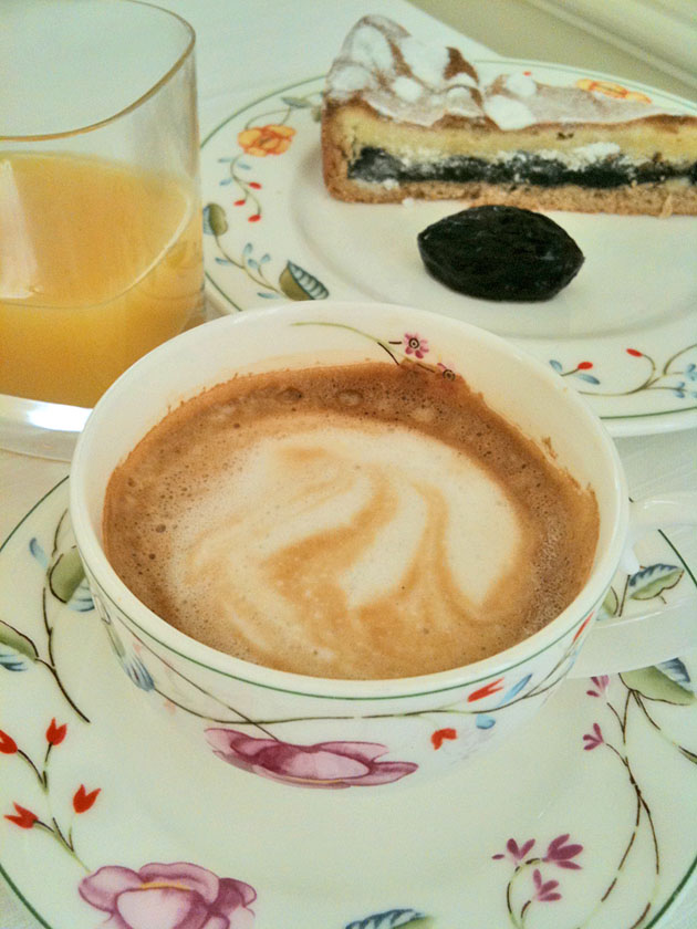 our morning caffe at Hôtel de Paris