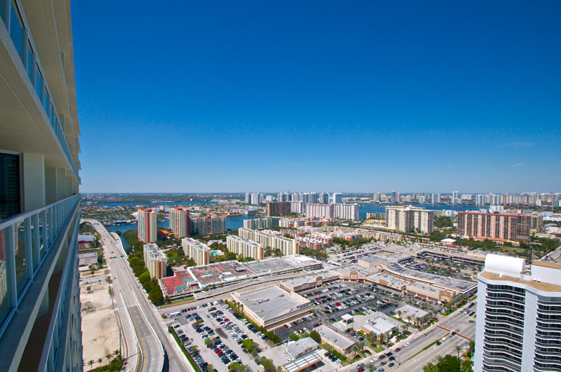 LaPerla Condo Miami view