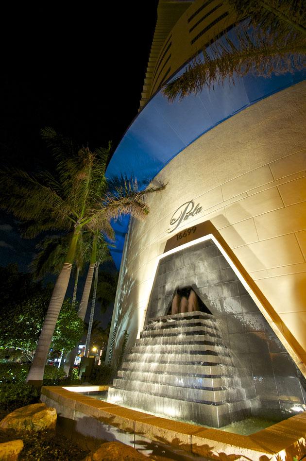 La Perla Condo Miami enrance