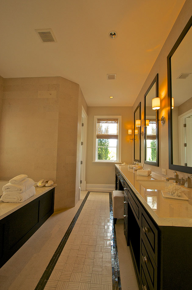 Miami Beach luxury house bathroom