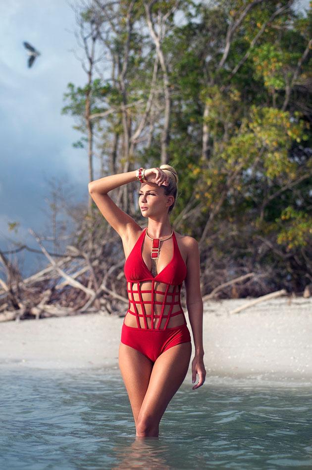 Andrea-Jarova-Exclusive-Magazine-3