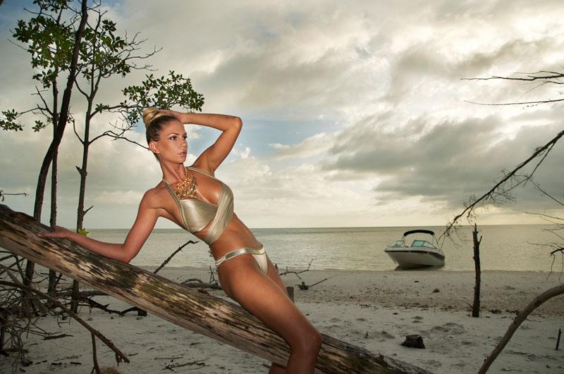 Andrea-Jarova-Exclusive-Magazine-4