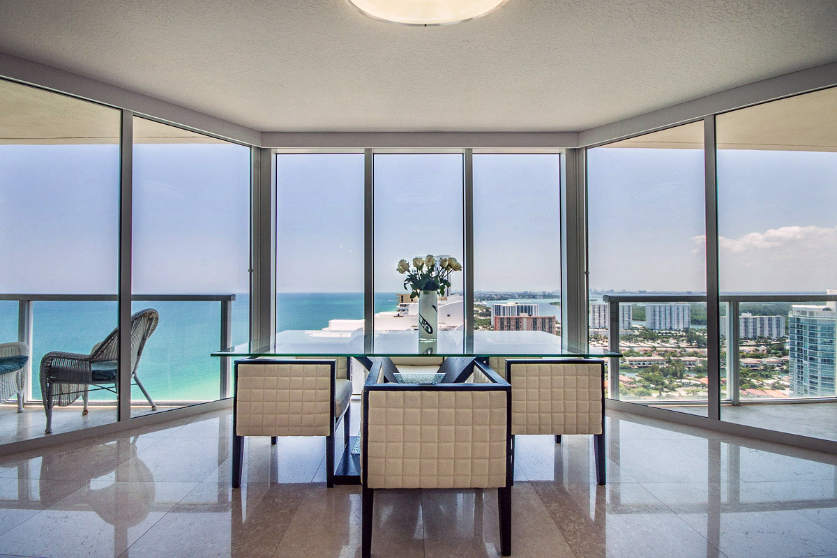 La Perla Miami Apartment