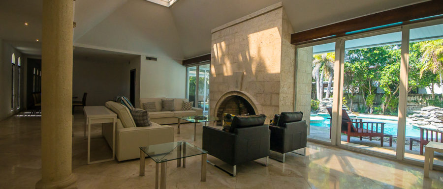Hibiscus Island House Living room